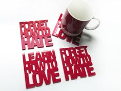 Jogo de descanso para copos Love/Hate  R$90.00