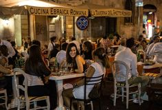 Dining out in the Ghetto. Rome Luxury Apartments www.romesweethome.com