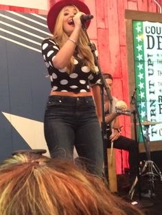 Lauren Alaina performed on the  AT&T U-Verse Showcase Stage at CMA Music Festival (6/12/15).