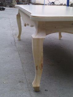 Elegant Queen Anne Drop Leaf Coffee Table