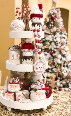 15 Adorable Rustic Christmas Kitchen Decoration Ideas 4 : Here shows examples of some amazing rustic Christmas kitchen designs with natural nuances Christmas Coffee, Christmas Kitchen, Christmas Love, Rustic Christmas, Christmas Crafts, Christmas Trees, Merry Christmas, Christmas Centerpieces, Xmas Decorations