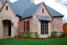 Mangum Bricks - Old St. Louis Blend with White mortar