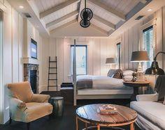 Cozy Rustic Farmhouse Bedroom Decor Ideas - Page 41 of 46 Farmhouse Inn, Farmhouse Bedroom Decor, Country Farmhouse Decor, Home Decor Bedroom, Wine Country, Farmhouse Ideas, Farmhouse Interior, Modern Country, Cozy Bedroom