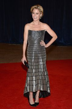 Julie Bowen in Monique Lhuillier at the White House Correspondent's Dinner this evening! A great display of the spring metallic trend. #MoniqueLhullier #JulieBowen #whitehouse #correspondentsdinner2013