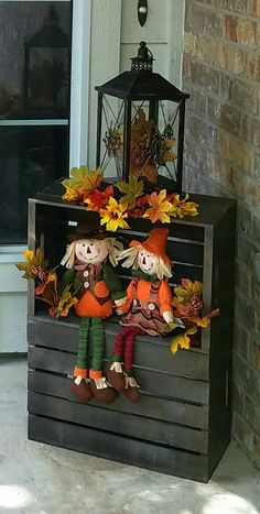Front porch fall decor – Home Decor - Thanksgiving Decorations Diy Autumn Decorating, Porch Decorating, Decorating Ideas, Decor Ideas, Thanksgiving Decorations, Seasonal Decor, Thanksgiving Crafts, Holiday Decorations, Fall Projects