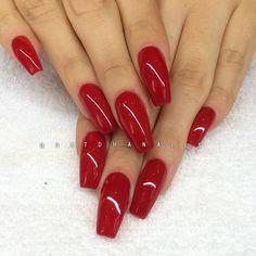 Påfyllning på spraytankollegan❤️ Intense Red 027 från Semilac/ www.nagelbutiken.se ✨