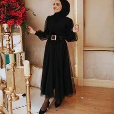 Modest Fashion Hijab, Modern Hijab Fashion, Hijab Fashion Inspiration, Islamic Fashion, Muslim Fashion, Fashion Dresses, Hijab Dress Party, Hijab Evening Dress, Hijab Fashionista