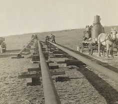 vintage pipeline construction pictures | Sheehan Pipeline Welding Trucks, Welding Rigs, Welding Art, Pipeline Welding, Pipeline Construction, Pipe Fitter, Vintage Pictures, Blacksmithing, Plumbing