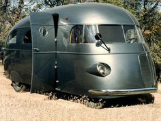 1937 Hunt housecar, one of several unique early housecars built by Hollywood cinematographer Roy Hunt between 1935 and 1945.