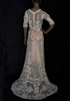 1905 Lace Tea Dress - back  I thought you might like this.  If you click on it, this pinner has a ton of gorgeous lace.