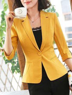 Amazing Job Work Outfit Ideas With Stylish look - Zine 365 Blazer Jackets For Women, Blazers For Women, Suits For Women, Blouses For Women, Women Business Attire, Business Professional Attire, Mode Chic, Mode Style, Look Blazer