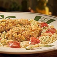 Olive Garden Chicken Crostina - This recipe is made with chicken breasts, linguine, heavy cream, and breadcrumbs. http://www.copycatrecipeguide.com/How_to_Make_Olive_Garden_Chicken_Crostina