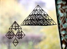 the weight of the straw Crafts To Do, Diy Crafts, Handmade Ornaments, Nursery Design, Deco, Art Lessons, Geometry, Pattern Design, Design Inspiration