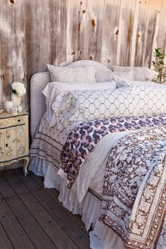 mix and match bedding a la Kerry Cassill