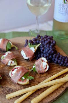 Fresh Fig Bites with Goat Cheese and Prosciutto