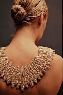 This is awesome! I love bold necklaces.