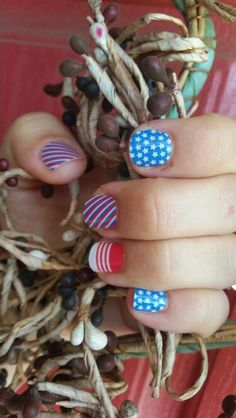 Jamberry Patriot just in time for The 4th of July! Http://www.ryoujammin.jamberrynails.net