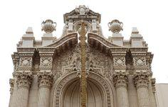 Uno de los edificios más bellos que te esperan en #LA, el #TeatroLosAngeles. Imagen de Flickr, por Floyd B. Bariscale.