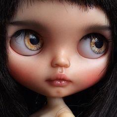 Blythe Doll Translucent Skin by Tiina.  #tiinacustom #customblythe #puppelinaeyechips