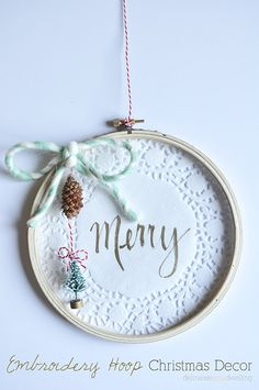 A simple Embroidery Hoop Christmas Decor that only takes 15 minutes to make!!, Delineateyourdwelling.com