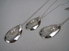 IMG_1360 – Kopio | Pieni Kirsikkapuu Silver Spoon Jewelry, Silver Spoons, Silver Rings, Cutlery Art, Silverware Jewelry, Beaded Jewelry, Jewelry Necklaces, Christmas Jewelry, Jewelry Crafts