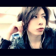 Shin. ViViD. Visual Kei, Rock, Japan, Twitter, Skirt, Locks, The Rock, Rock Music, Japanese