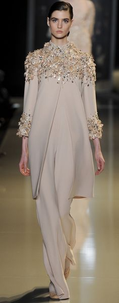 Elie Saab Spring 2013 Couture Fashion Show - Manon Leloup Elie Saab Couture, Couture Mode, Couture Fashion, Hijab Fashion, Fashion Show, Gq Fashion, Style Fashion, Latest Fashion, Fashion Trends