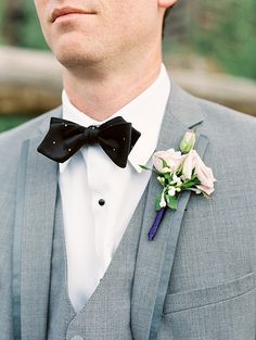 Bowtes and Roses for the guys | Beaver Creek Wedding | JoPhoto Photography
