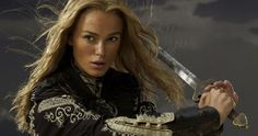 Pirates of the Caribbean Keira Knightley Actress Black Pearl Elizabeth Swann weapons sword women blondes brunettes babes costume Keira Knightley Movies, Keira Knightley Pirates, Keira Christina Knightley, Elizabeth Swann, Jean Reno, Pirate Queen, Pirate Woman, Love Actually, Jack Sparrow