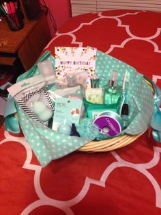 Color themed gift basket for a birthday! Color themed gift basket for a birthday! Cute Birthday Gift, Birthday Gift Baskets, Christmas Gift Baskets, Cute Christmas Gifts, Friend Birthday Gifts, Birthday Diy, Birthday Quotes, Birthday Presents, Happy Birthday