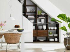 amenagement-sous-escalier-armoire-sous-pente-rangement-escalier-aménagement