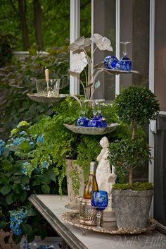 Awesome idea for a spring garden tablescape