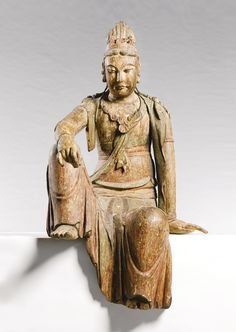 LARGE CARVED AND POLYCHROME WOOD FIGURE OF GUANYIN JIN/YUAN DYNASTY