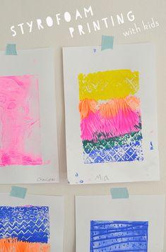 print making ideas printmaking Styrofoam Printing with Kids Kindergarten Art, Preschool Art, Craft Activities For Kids, Crafts For Kids, Collagraph Printmaking, Kids Printmaking, Ecole Art, Process Art, Kids Prints