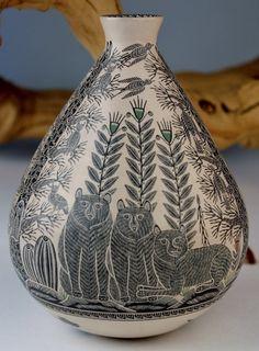 Mata Ortiz Pottery Hector Gallegos Jr  Bears And Nature Scene Sgraffito Pot