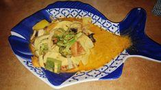 Gebratener Tintenfisch mit Gemüsen Catering, Spanakopita, Ethnic Recipes, Food, Vietnamese Cuisine, Roast, Fresh, Catering Business, Gastronomia