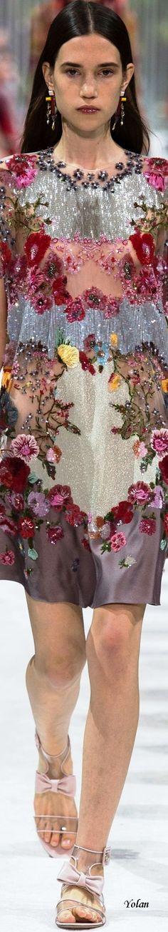 Valentino Spring 2018 RTW