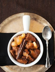"Classic Greek dish called ""stifado"".  It's a one pot aromatic stew utilising baby onions, red wine vinegar and cinnamon."