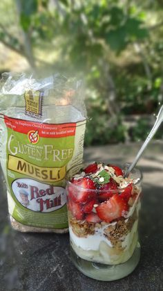 Check out this healthy dessert of pear, mascarpone, strawberries, muesli #gfmuesli from our favorite @Bob's Red Mill   #gfmuesli