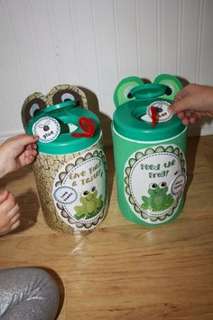 FREE! Long and Short Vowel Sorts. Create frog and toad containers, or use the sorting mats.
