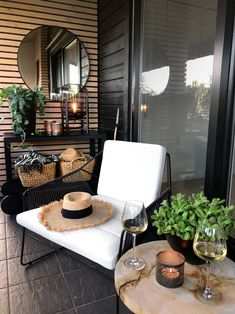 Small Balcony Decor, Porch And Balcony, Balcony Design, Patio Design, Small Patio, Outdoor Balcony, Casa Patio, Backyard Patio, Apartment Balcony Garden