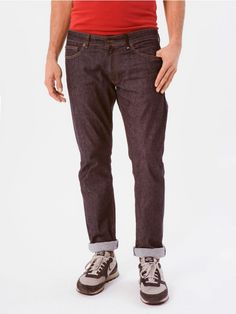 """Redondo Rinsed Blue Pants // Loreak Mendian's most versatile denim trousers, our """"Modernistas'"""" favourite and ours too! In fact, the Redondo is one of those classic """"all weather"""" jeans you just never want to take off. Perfect for everyday use, combine it effortlessly with shirts, T-shirts or any jacket. These classic jeans made of cotton twill denim are light to wear and very, very comfortable. These 5-pocket trousers have a low/medium waist and is slightly more fitted in the leg-knee and…"""