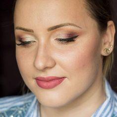 💜💄 Machiaj cu gene false smocuri din par natural incluse.   Detalii si programari ⤵  📞0763505242/wapp  📩 PM (Facebook sau Instagram)  #valentinabucur #makeupartist #makeupatelierparis #eyelashes #eyeliner #makeupforever #makeupaddict #makeupjunkie #makeuplover #bridalmakeup #pigments #eyebrows #universalmakeup #contouring #undiscovered_muas #inglot #sleek #thebalm #anastasiabeverlyhills