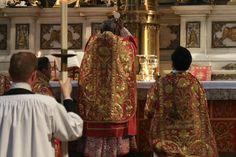 Cardinal Sarah celebrating Mass ad orientem Mass at the London Oratory, July 6, 2016 [Credit: Lawrence OP via Flickr]