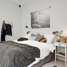 """That bedspread! Cozy bedroom styled by team @sarahwidman Pic source alvhemmakleri.se #sovrum #bedroom #bedspreead #överkast #afroart #inredning…"""