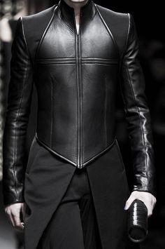 diet-mnt-dew: Gareth Pugh at Paris Fashion Week Fall 2011 Source: ImaxTree Dark Fashion, Mens Fashion, Fashion Outfits, Gothic Fashion Men, Latex Fashion, Fashion Goth, Steampunk Fashion, Cyberpunk Fashion, Gareth Pugh