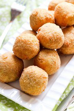 Kulki z kaszy jaglanej z kukurydzą Tyga, Pretzel Bites, Bread, Fit, Party, Shape, Brot, Parties, Baking