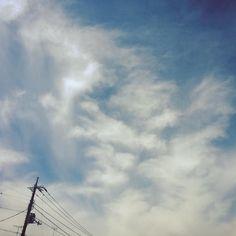 淡くしてみた #空 #ソラ#空ヲ見上ゲテ #空ヲ見上ゲルト電線 #電線 #雲  #東京 #東京の空 by tenaryo