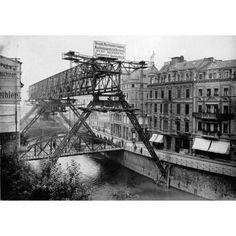 CONSTRUCTION OF THE WUPPERTALER SCHWEBEBAHN / WUPPERTAL FLOATING TRAM, 1900