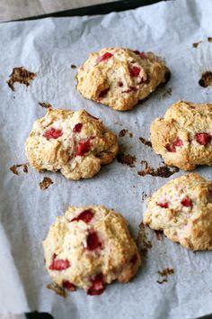 mansikka-biscuitit